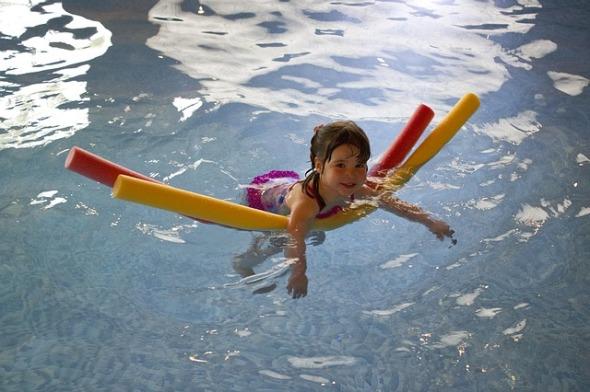 swimming-445102_640