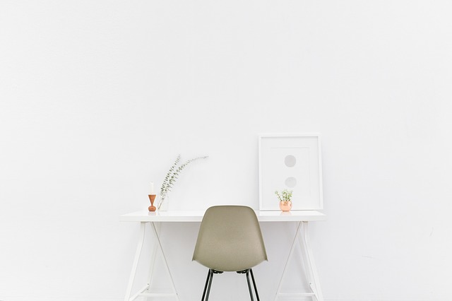 desk-1081708_640-Unsplash