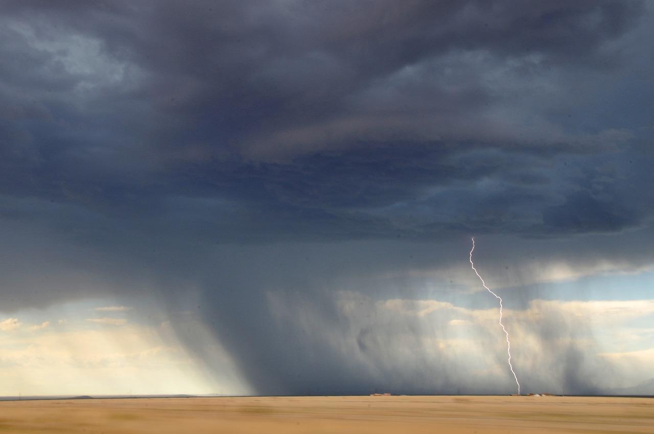 lightning-945430_1280