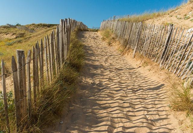 beach-1720547_640